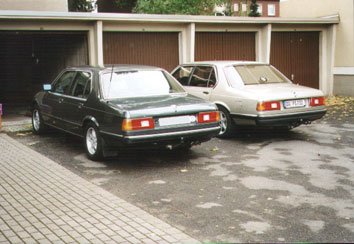 Links BMW E23 745iA Executive und rechts BMW E23 732iA